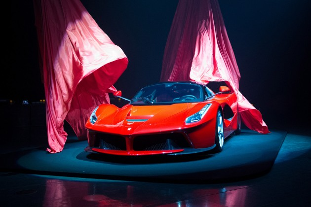 Top Gear dévoile La Ferrari Spider avec Gordon Ramsey