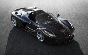 La Ferrari Spider, la belle transalpine se découvre