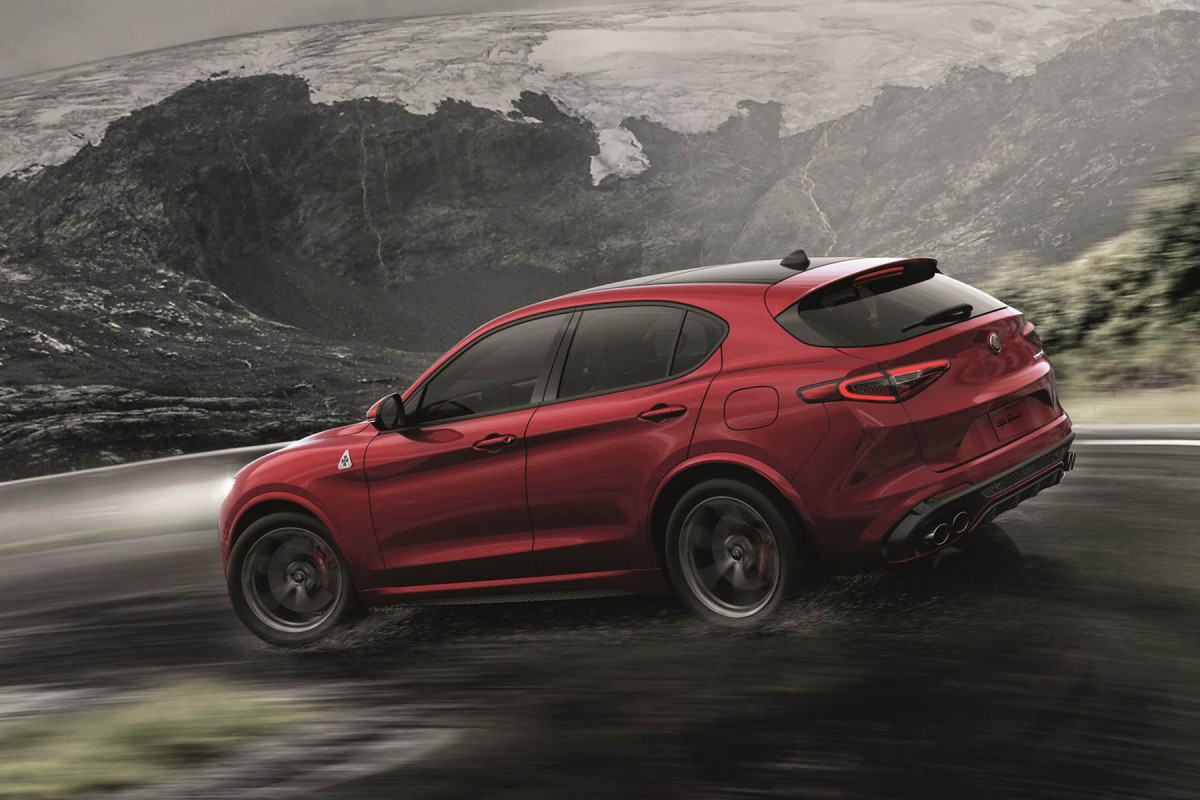 alfa romeo stelvio le suv premium italien le mag auto prestige. Black Bedroom Furniture Sets. Home Design Ideas