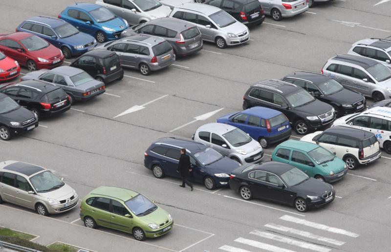 le parking au service de votre voiture le mag auto prestige. Black Bedroom Furniture Sets. Home Design Ideas