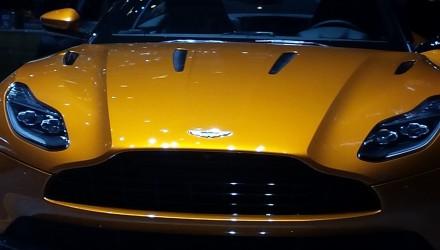 La DB11 sur le stand Aston Martin du salon de Genève