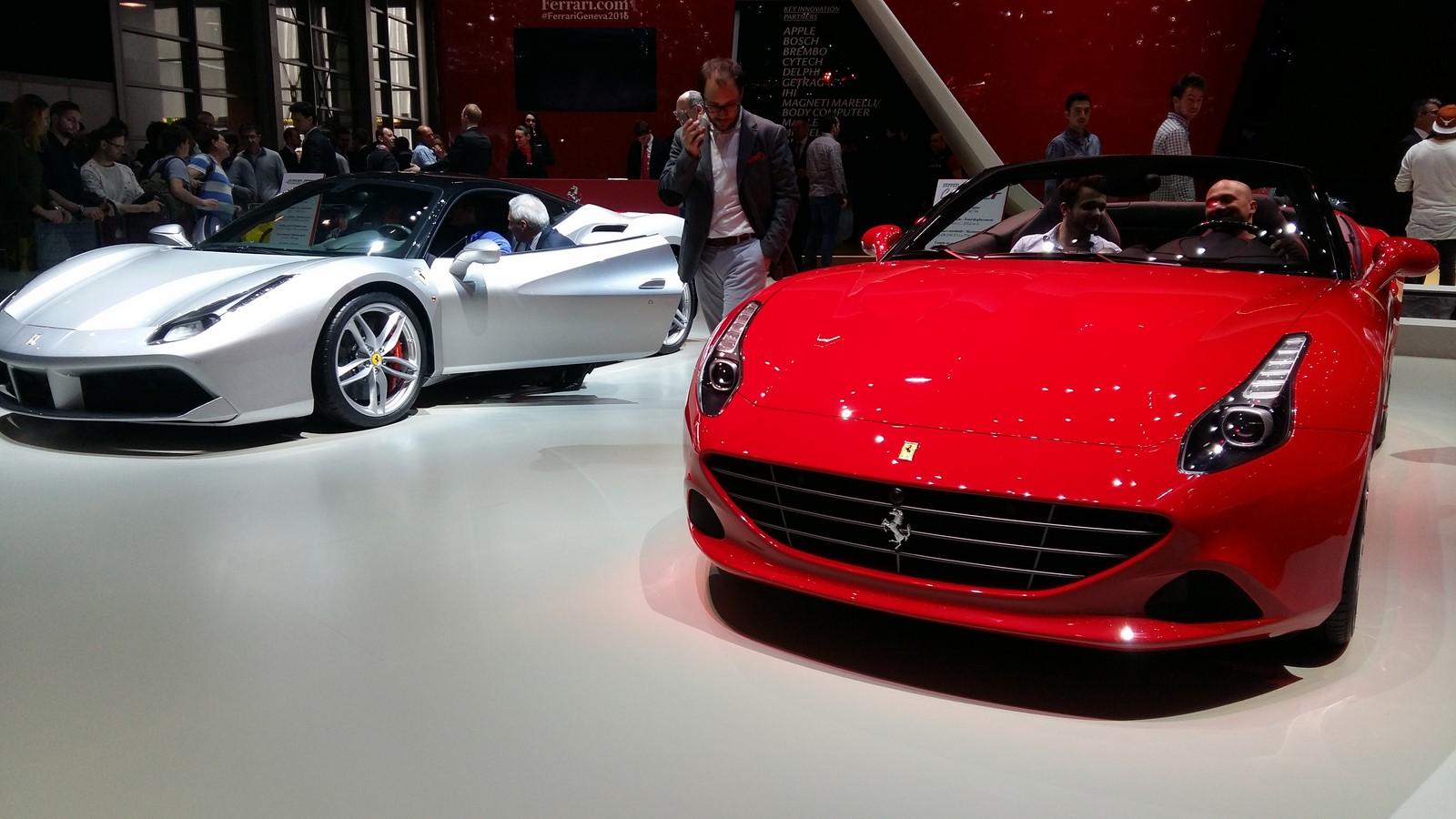 la nouvelle ferrari f12 m flirterait avec les 800 chevaux le mag auto prestige. Black Bedroom Furniture Sets. Home Design Ideas