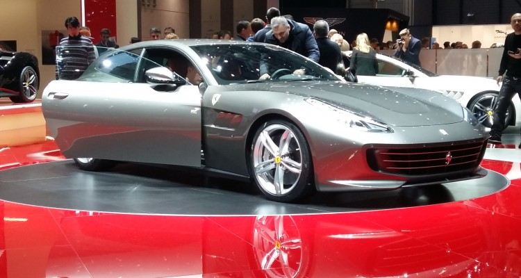 ferrari gtc4 lusso une agilit incontestable le mag auto prestige. Black Bedroom Furniture Sets. Home Design Ideas