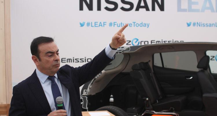 Carlos Ghosn: garde à vue prolongée et licencié par Nissan