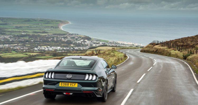La Mustang Bullit s'amuse sur l'île de Man