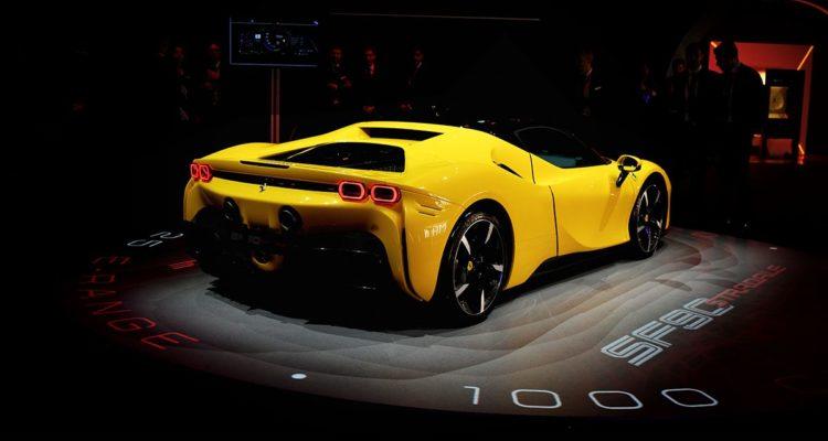 Ferrari dévoile la SF90 Stradale, une hybride !