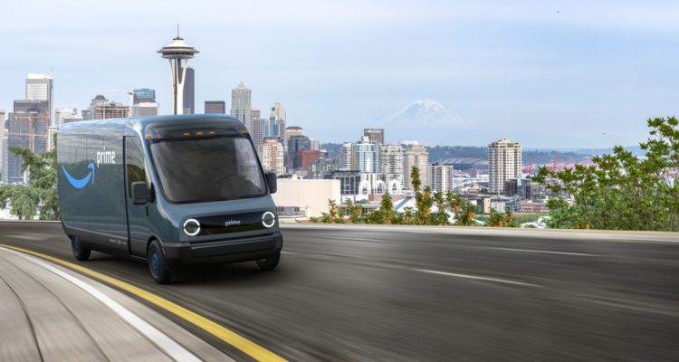 Amazon passe une gigantesque commande de véhicules électriques !