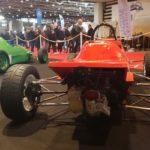 Vue arrière de deux Formule Ford Crosslé