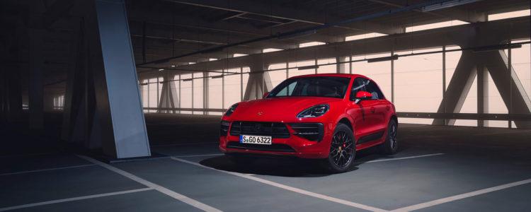 Le Porsche Macan GTS (ici en rouge)