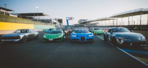 Une flopée de voitures de prestige sur le circuit Bugatti du Mans