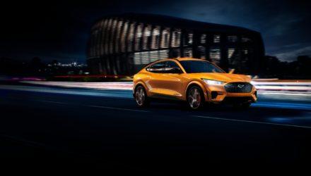 Ford Mustang Mach-E une voiture très connectée !