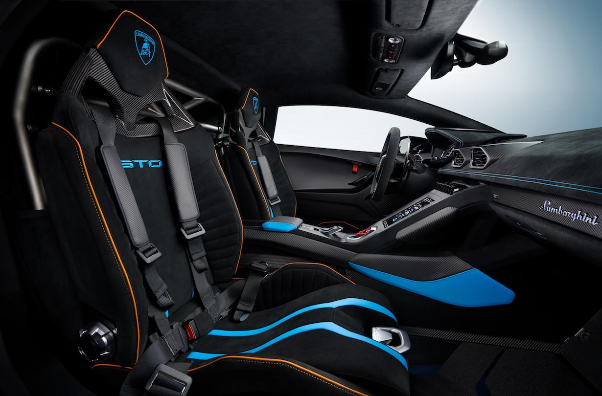 L'intérieur de la Huracan STO (crédit - Lamborghini media center)